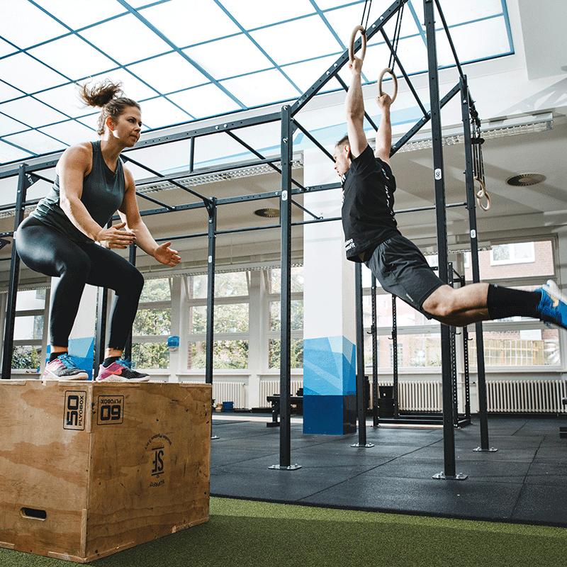 Training CrossFit Frau und Mann